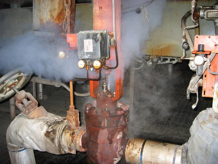 Steam Leak From Pipe : Cost effective ways to control leaking valve stem seals